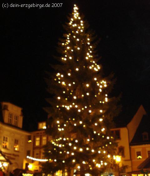 Tannenbaum Erzgebirge.Christbaum Tannenbaum Weihnachtsbaum Im Erzgebirge